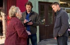 Sam and Dean interview a fairy-lovin woman.